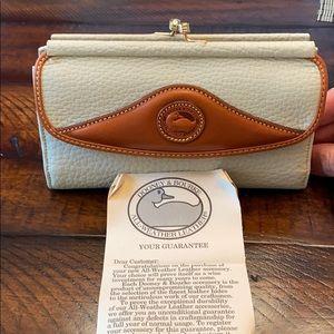 New Vintage Dooney & Bourke wallet